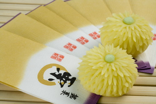 http://giftjap.info/images/articles/wagashi/3d9b7138662c.jpg