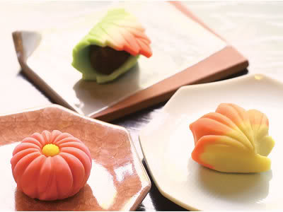 http://giftjap.info/images/articles/wagashi/P260031A.jpg