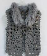 Жилетик крючком с меховым воротничком | Crochet vest with fur collar