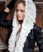 Шапочка-шарф «Императрица» вязаная спицами и крючком