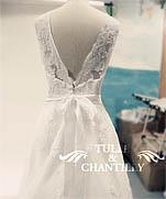 Ручная работа с кружевом. Процесс моделирования на манекене 2 свадебных винтажных платьев.