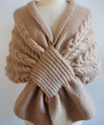 Красивый шарф - накидка
