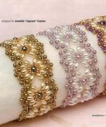 Красивый браслет из бисера и бусин | Beads beautiful bracelet