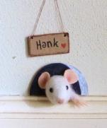 Мастер-класс по сухому валянию: мышонок Хэнк в норке.