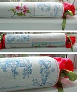 Подушка-конфетка  + схема вышивки