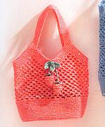 Вязание сумочки с клубникой крючком