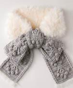 Вязаный крючком шарф с мехом