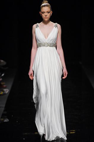 Вот пример платья в греческом стиле, оно такое легкое, струящееся